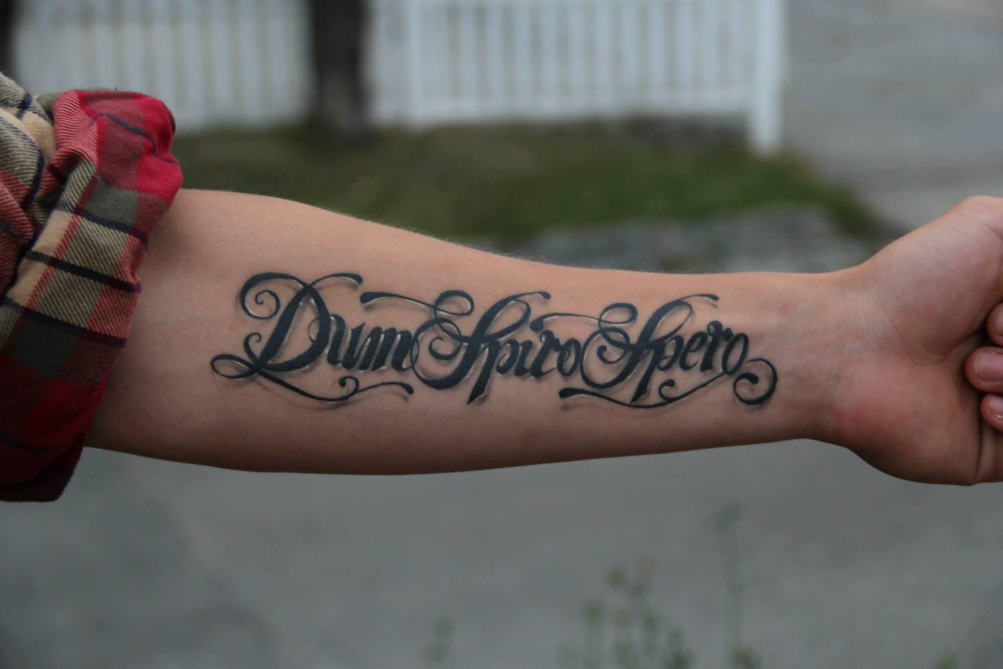 Фото тату надписи на испанском на руках