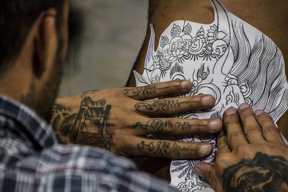 selecting a tattoo size - tattoo