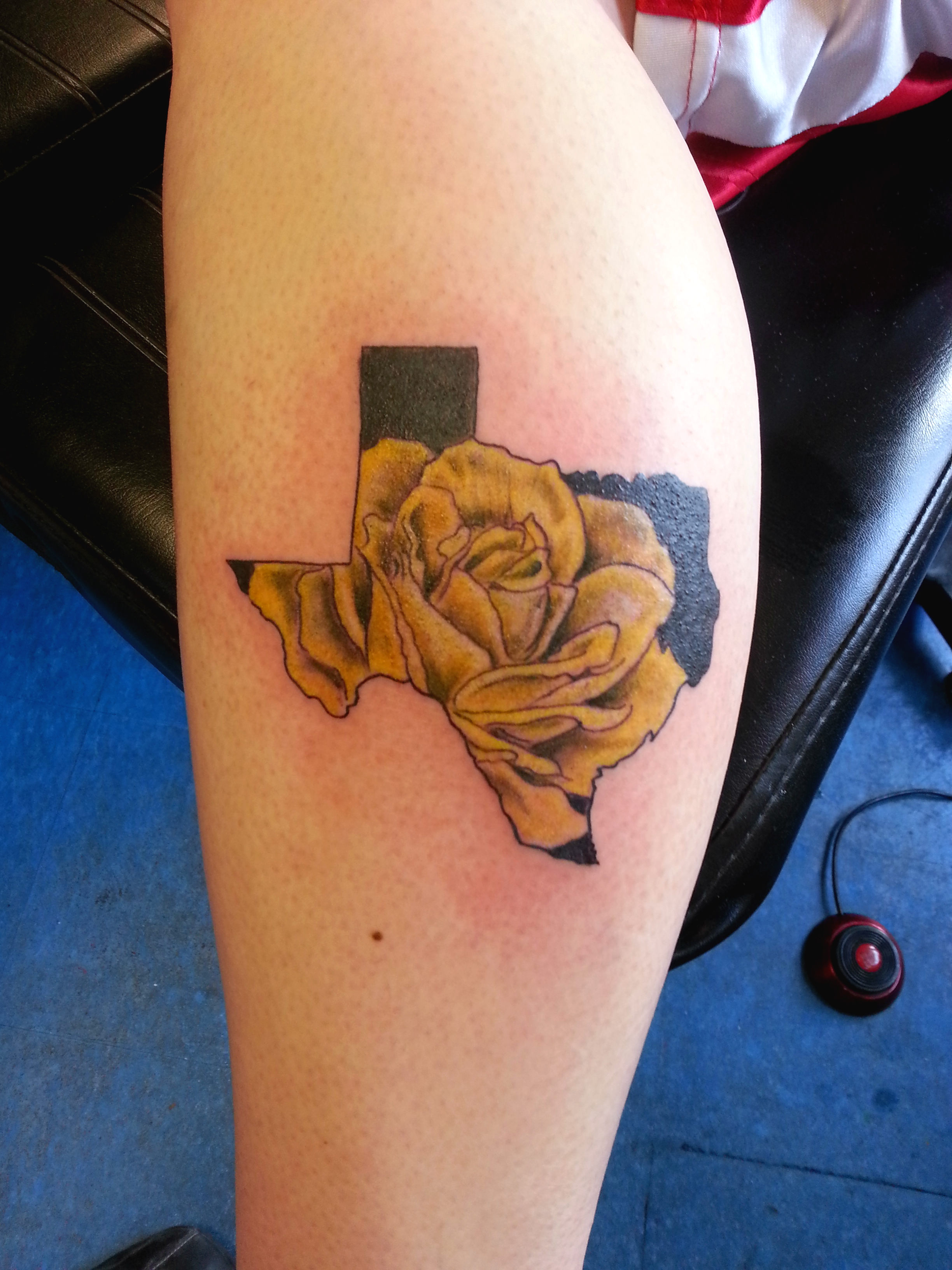 A yellow rose in Texas - Tattoo.com